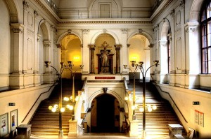 Universitaet_Wien,_Hauptgebaeude,_Juristenstiege