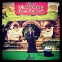 Kehrwoche am Beutelsend - Bilbo putzt den Tolkien Raum - Foto Tobias M. Eckrich
