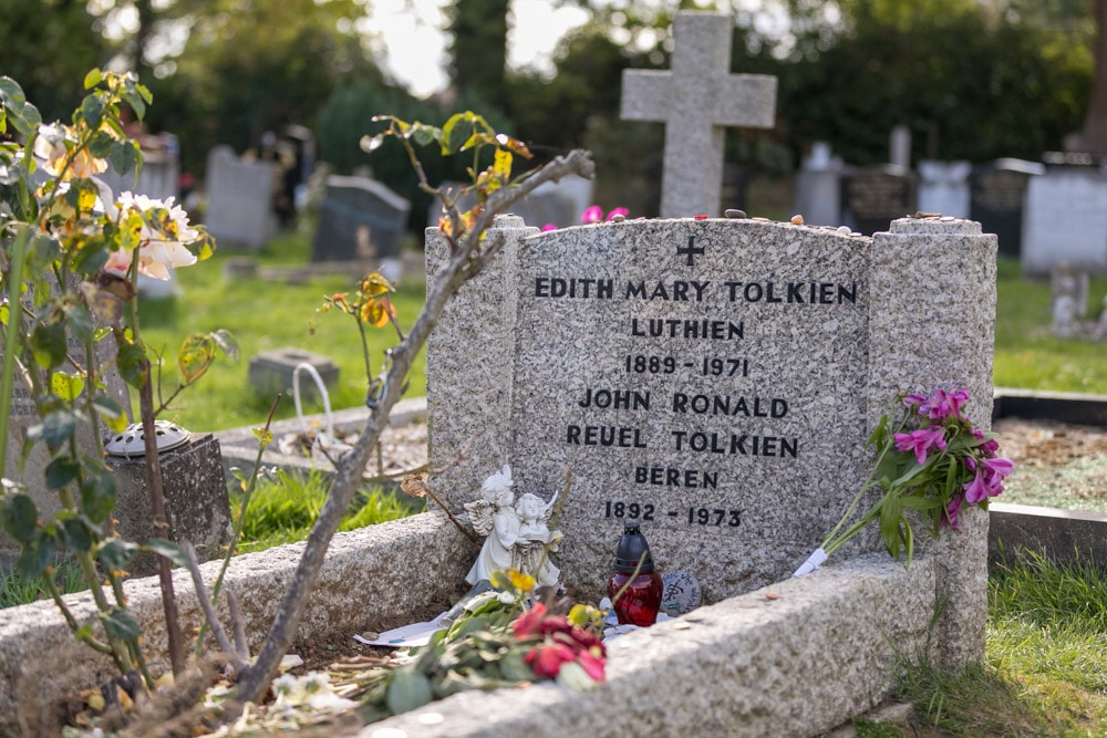 Grab-Edith-Mary-and-John-Ronald-Reuel-Tolkien